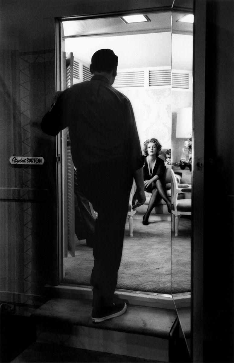 Mike Nichols,  Elizabeth Taylor, Dressing Room
