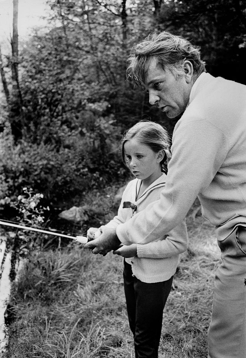 Richard Burton fishing with daughter Kate