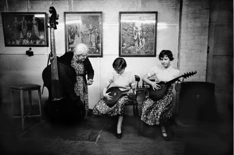 Dolmetch-music-lesson